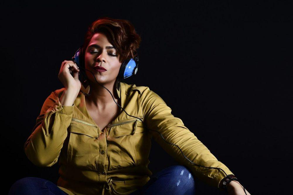 Confinamiento disparó el consumo de música digital y de podcasts