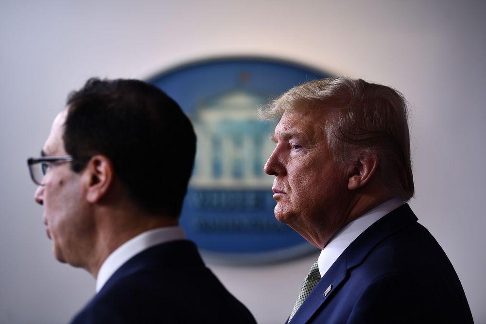 Trump lanza un plan masivo para proteger a la economía de la pandemia